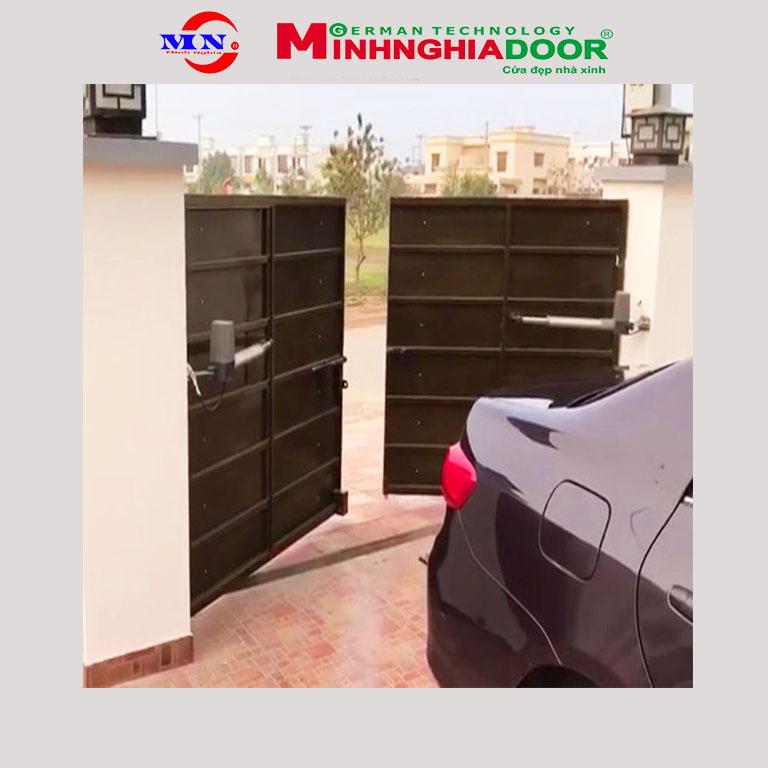 Motor cửa cổng tay đòn Master 300kg Motor-cong-tay-don-master-300kg
